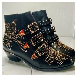 Gold rivets studded black Ankle boots